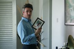 Aidan Gillen in 'Mister John' wow! I like him here!!
