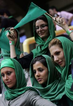 Iran's young people go green for Mousavi