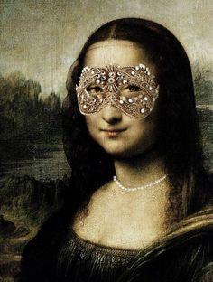 Mona Lisa with sparkly mask Monnalisa Kids, Mona Friends, La Madone, Mona Lisa Parody, Mona Lisa Smile, Art Jokes, American Gods, Classical Art, Italian Artist