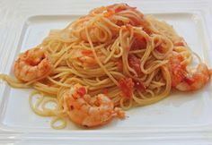 400 calorie chilli prawn and pasta recipe. So easy to make and really filling.