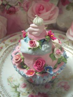 (Garden Party cc) Life Size  Cupcake Fake Food Cottage Decor