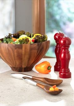 wooden salad bowl and servers http://rstyle.me/n/vwvwhr9te