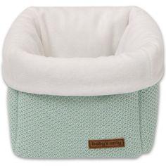 La corbeille de rangement Classic menthe poudré par Baby's Only servira à ranger les crèmes et autres produits de soin de bébé ou tout autre objet.