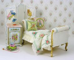 Hand painted items by Maritza Moran and Valerie Casson. From Larrianne's Small Wonders