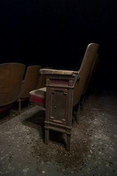 Seating; Kings Park Psychiatric Center © opacity.us