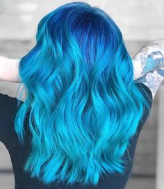 is the artist… Pulp Riot is the paint. - Hair World Hair Color 2018, Vivid Hair Color, Beautiful Hair Color, Hair Color Dark, Cool Hair Color, Hair Colors, Hair 2018, Colours, Pulp Riot Hair Color