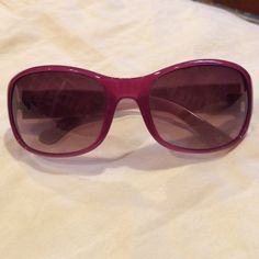 Juicy Couture pink sunglasses Adorable Juicy Couture sunglasses  // No trades. I will only negotiate the price if you make an offer, and please make only reasonable offers. Juicy Couture Accessories Sunglasses
