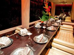 Delish Thai Food is stylish surroundings Manchester Restaurants, Ten Restaurant, Thai Recipes, Places To Eat, Delish, Table Settings, Bucket, Good Things, Food