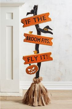 Outdoor Or Indoor Wooden Broom Cute Halloween Decoration Ad Fall - Real Time - Diet, Exercise, Fitness, Finance You for Healthy articles ideas Halloween Wood Crafts, Homemade Halloween Decorations, Outdoor Halloween, Halloween Projects, Halloween Pumpkins, Halloween Diy, Halloween 2018, Wooden Halloween Signs, Adornos Halloween