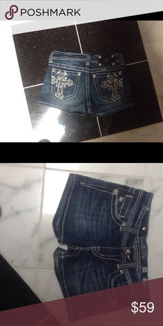 NWOT !! MISS ME SHORTS ADORABLE! Size 26 These Shorts were bought New, and never worn due to weight gain!CUTE CUTE CUTE❤️ Miss Me Shorts Jean Shorts