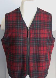 8a838411270dca Excellent Condition Men s Hunting Vest-Plaid Lined WOOLRICH Zipper Front  Size M  Woolrich