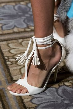 Dennis Basso at New York Fashion Week Spring 2018 Dennis Basso, New York Fashion, Stiletto Heels, Platform, Footwear, Detail, Spring, Shoes, Collection