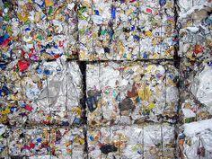 waste müll by rootsclubrino, via Flickr  Müll vermeiden im Jahr 2015. Oder zumindest Müll vermindern. Bestandsaufnahme erst! Mach mit!  Mehr auf http://www.tomatetomate.eu/muell-vermeiden/