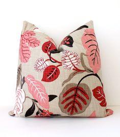 """Moderne Pink und Tan dekorative Designer-Kissenbezug 20"""" Accent floral Himbeer Korallen braun grau schwarz rot Josef Frank Stil Frühling Laub"""