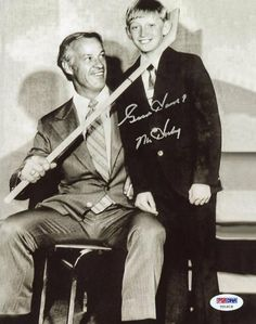 "RED WINGS GORDIE HOWE ""MR HOCKEY"" SIGNED AUTHENTIC 8X10 PHOTO WITH GRETZKY CERTIFICATE OF AUTHENTICITY PSA/DNA #T21018 by Press Pass Collectibles. $89.99. RED WINGS GORDIE HOWE ""MR HOCKEY"" SIGNED 8X10 PHOTO WITH GRETZKY PSA/DNA #T21018"