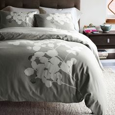 I like this duvet cover too....