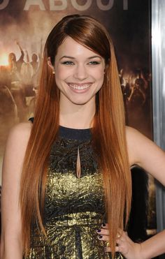 Alexis Knapp Beautiful and she Rock it in  Pitch Perfect