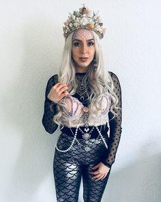 Make mermaid costume yourself Inspiration & Accessoires: Meerjungfrau Kostüm Make Up selber machen, Mermaid Halloween Costumes, Hallowen Costume, Halloween Costumes For Teens, Costumes For Women, Diy Mermaid Costume, Pirate Costumes, Halloween Diy, Siren Costume, Halloween Makeup