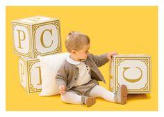 Niño dados letras