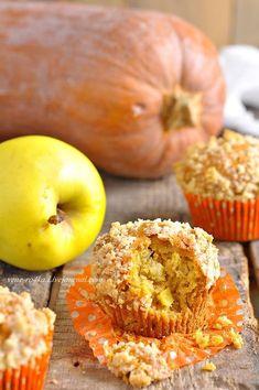 Это самые настоящие осенние маффины! Тесто с тыквенным пюре и кусочками яблок, ароматом корицы, имбиря и мускатного ореха, а поверх шапочка из штрейзеля! Очень…