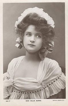 Billie Burke♥ later she would marry Florenz Zigfield , after his death she  would pay off his debts and become iconic as Glenda the good witch in the Wizard of Oz and go on to act in so many roles Dinner at 8 with Harlow and some of the most iconic actors in movie history.