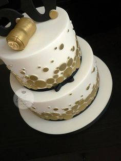 Champagne themed 50th birthday cake - Cake by Isabelle Bambridge