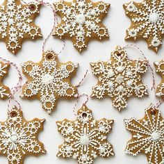 I love decorating the tree with edible ornaments! These snowflake cookies were made using my gingerbread cookie recipe, which you can find here. -- The snowflake cookie cutter that I used for this project is available at AnnClarkCookieCutters Christmas Gingerbread, Noel Christmas, Christmas Goodies, Christmas Treats, Christmas Baking, Christmas Decorations, Winter Christmas, Snowflake Decorations, Gingerbread Houses