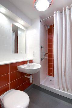 Porthmadog - Double bathroom