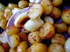 Universo dos Alimentos: Batatas Assadas com Cebolinhas, Alecrim e Alho