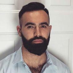 has the best beard I've ever seen to envy Hairy Hunks, Hairy Men, Bearded Men, Great Beards, Awesome Beards, Beard Styles For Men, Hair And Beard Styles, Scruffy Men, Men Handsome
