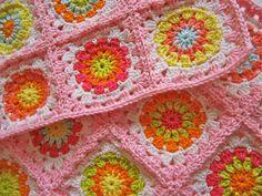 """Crochet - Tutorial: """"Flower Square"""" - Level: easy."""