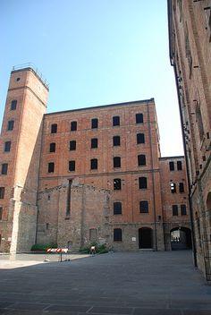 Risiera di San Sabba, Unico campo di sterminio nazista in Italia ( Risiera di San Sabba, unique Nazi Lager in Italy, set in Trieste )
