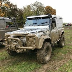 @jackcoxall have been having fun in their #defender90 #landrover #landroverdefender #landroverphotoalbum