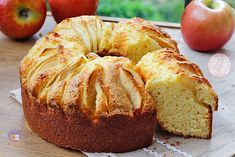 Baking Recipes, Cake Recipes, Dessert Recipes, Desserts, Apple Deserts, Beautiful Fruits, Chiffon Cake, English Food, Eat Dessert First
