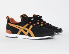 Can wear for casual look, maybe can wear for a dressier event. #Asics Onitsuka Tiger Ult-Racer Black