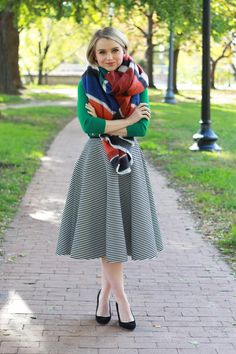 I want this skirt but a little bit longer Poor Little It Girl - Black and White Striped Midi Skirt, Green Sweater and Striped Blanket Scarf Modest Outfits, Modest Fashion, Stylish Outfits, Girl Fashion, Preppy Style, My Style, Full Skirts, Midi Skirts, Plaid Fashion