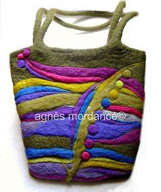 Sac laine feutrée création pièce unique : Sacs bandoulière par agnes-mordance