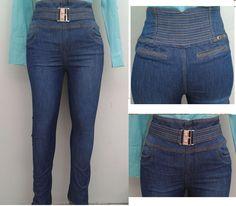 Si tu estilo es sexy, estos son los jeans para tí!. Con sus detalles de pedrería y su cintura alta hará que tus curvas se vean más sexy que nunca!