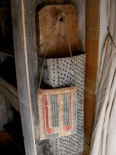Love this concept for a wall box!  I saw a similar one with barn wood and a rusty container.....   ohh hubby....          ;)