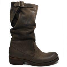 Art. Bik/M - New Collection -Fall Winter 14/15   Stivali  Biker Boots in Vera Pelle Nabuk Testa di Moro. Con Fodera interna in Lycra. Dettaglio doppia impuntura laterale, cinturino posteriore regolabile. Altezza tacco:  3,5 cm 100% Made in Italy di produzione artigiana. #stivali #medi #metàpolpaccio #midboots #bikerboots #biker #boots #madeintaly #marrone #brown #verapelle #nabuk #woman #shoppingonline #personalshoepper #bik #kirabonelli