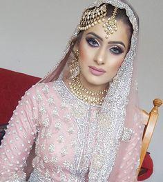 Bridal Makeup Looks, Indian Bridal Makeup, Asian Bridal, Bridal Looks, Bridal Style, Pakistan Bride, Pakistan Wedding, Pakistani Wedding Outfits, Pakistani Bridal Wear
