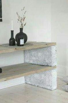 Betonblok met houten planken