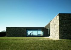 Carnivan House, Fethard on Sea on the south coast of Ireland, by Aughey O'Flaherty Architects. Photo by Marie Louise Halpenny.