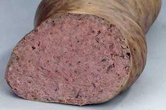"Din ciclul ""hai sa ne facem mezelicurile acasa"" (macar sa stim, cat de cat, ce contin), iata ca ovidiucro ne mai trimite o bucurie: reteta casnica nemteasca a celebrului leberwurst. Am citit, am sa… How To Make Sausage, Food To Make, Charcuterie, Typical German Food, Home Made Sausage, Tapas, Romanian Food, Hungarian Recipes, Smoking Meat"