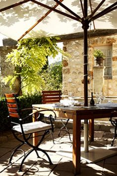 La Bastide De Moustiers - Restaurant of Alain Ducasse in Provence.. Need to try.one day!