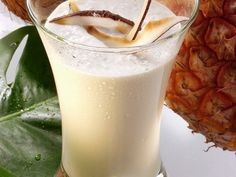 Ananas-Smoothie mit Kokosmilch |