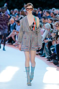 https://www.vogue.com/fashion-shows/spring-2018-ready-to-wear/missoni/slideshow/collection