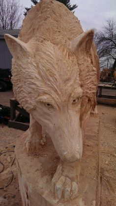 Chainsaw Wood Carving, Dremel Wood Carving, Wood Carving Art, Stone Carving, Wood Art, Wood Carvings, Wolf Sculpture, Wolf Images, Clay Animals