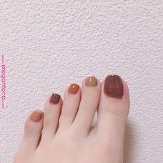 Pin on ネイル Pin on ネイル Classy Nails, Fancy Nails, Simple Nails, Pretty Nails, New Year's Nails, Hair And Nails, New Years Nail Art, Minimalist Nails, Nail Polish Art
