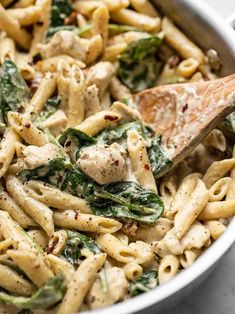 Pasta Al Pesto, Pesto Mozzarella Chicken, Creamy Pesto Pasta, Pesto Spinach, Creamy Chicken Pasta, Chicken Pesto Recipes, Spinach Stuffed Chicken, Chicken With Pesto, Shrimp Pasta